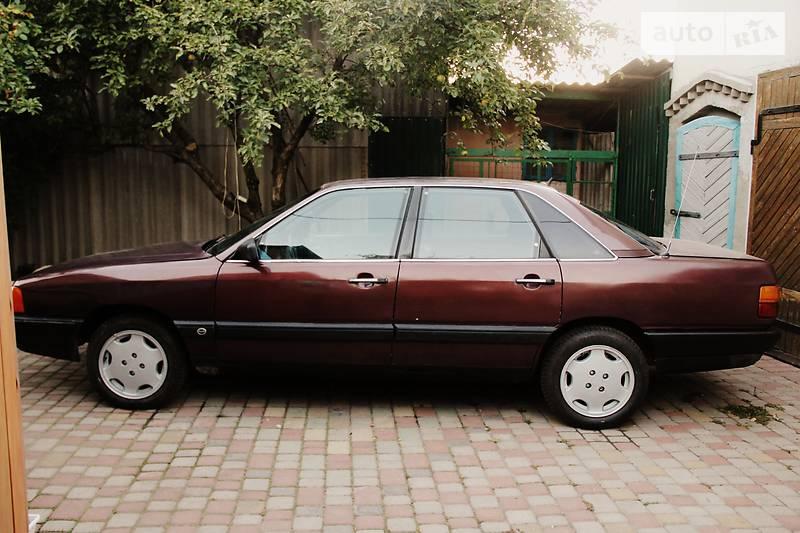 Audi 100 1985 года