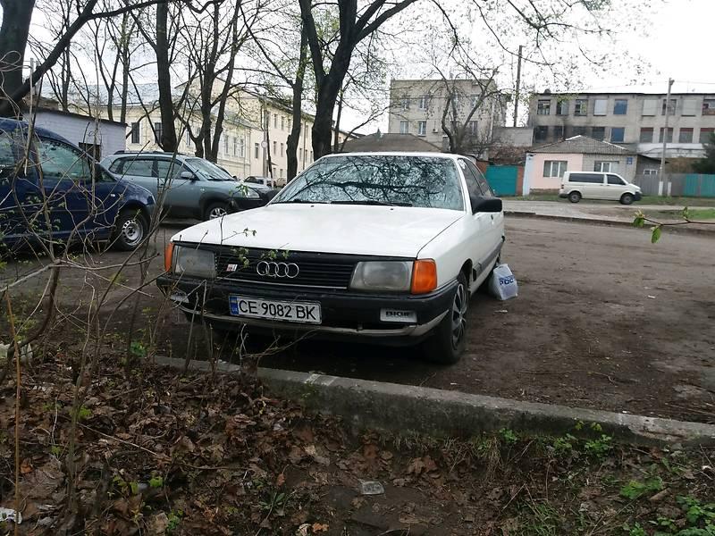 Audi 100 1983 года