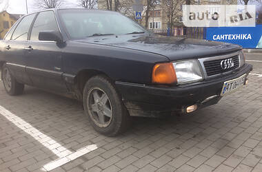 Седан Audi 100 1985 в Долине