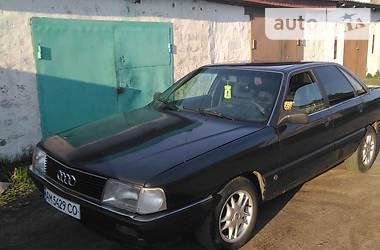 Седан Audi 100 1989 в Коростене