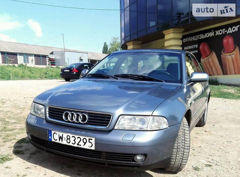 Audi A4 2000 в Кельменцах