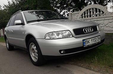 Универсал Audi A4 2000 в Вараше