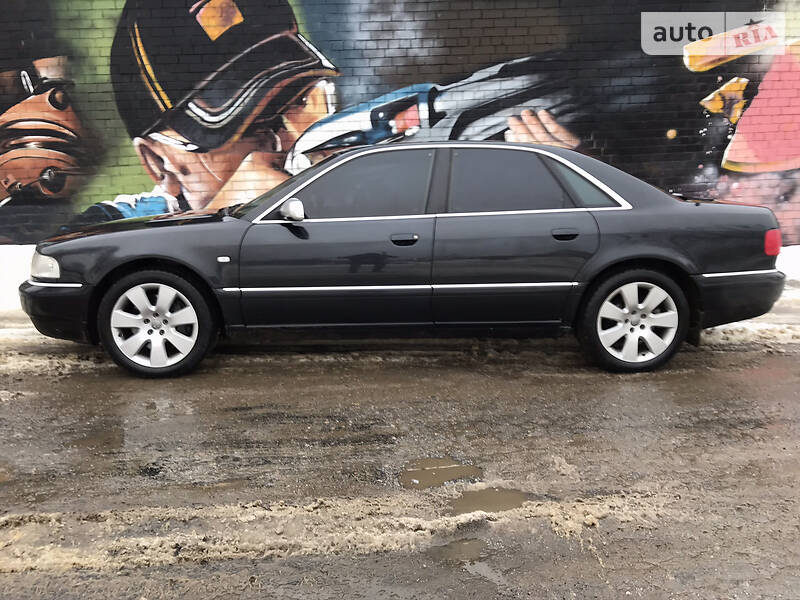Audi A8 S8 QU 365 L SIL