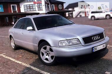 Седан Audi A8 1999 в Ровно
