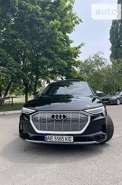 Внедорожник / Кроссовер Audi e-tron 2019 в Днепре