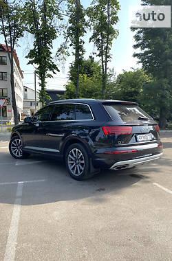 Позашляховик / Кросовер Audi Q7 2017 в Києві