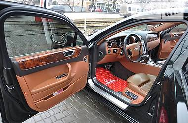 Bentley Flying Spur  2008