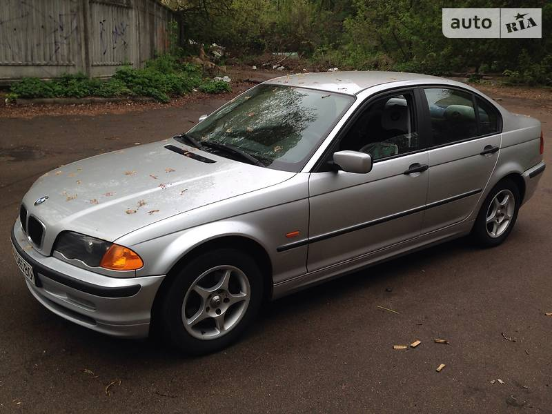 BMW 3 1999 года