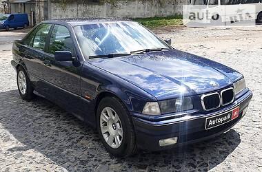 Седан BMW 318 1998 в Киеве