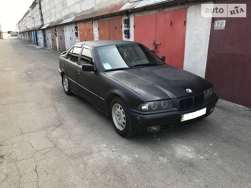BMW 3 серия 1992 года в Киеве