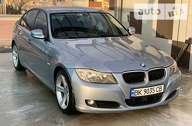 BMW 320 2011 в Рокитном