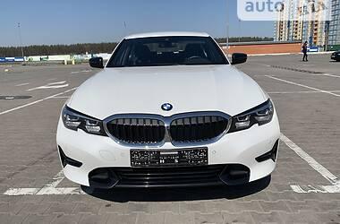 Седан BMW 320 2019 в Киеве