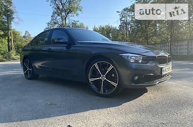 Седан BMW 320 2015 в Києві