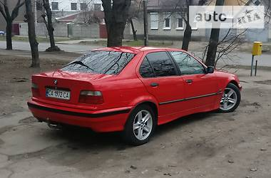 BMW 325 1995 в Черкассах
