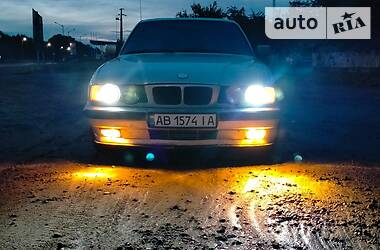 Седан BMW 520 1990 в Тростянце
