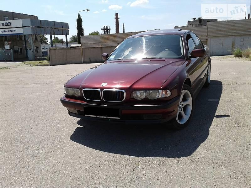 BMW 7 серия 2000 года в Запорожье
