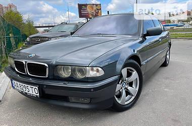 Седан BMW 735 2000 в Киеве