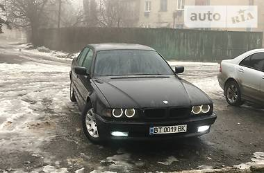 BMW 740 Е38 1999