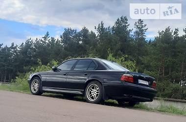 Седан BMW 740 2000 в Киеве