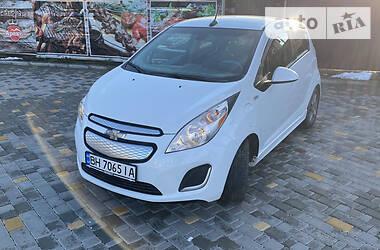 Хэтчбек Chevrolet Spark 2014 в Одессе