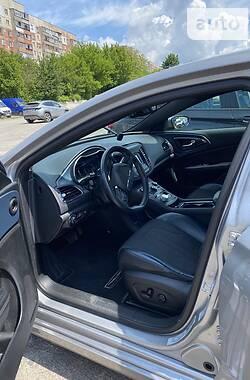 Седан Chrysler 200 2015 в Виннице