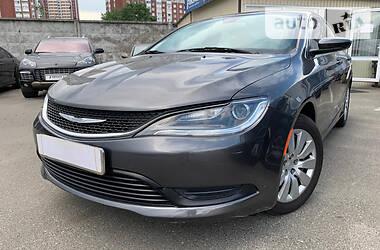 Седан Chrysler 200 2016 в Киеве