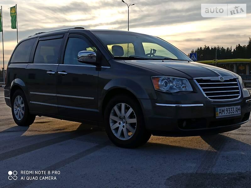 Chrysler Grand Voyager 2010 в Радомышле