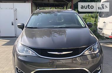 Минивэн Chrysler Pacifica 2017 в Полтаве