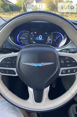 Мінівен Chrysler Pacifica 2017 в Дубні
