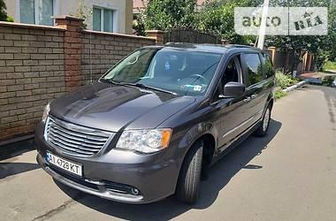 Chrysler Town & Country 2015 в Киеве