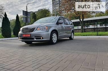 Chrysler Town & Country 2016 в Киеве