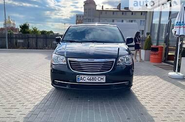 Минивэн Chrysler Town & Country 2014 в Ковеле