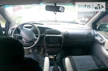 Chrysler Voyager 2000 в Кельменцах