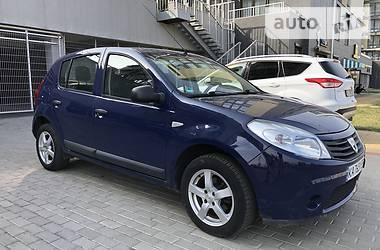 Хетчбек Dacia Sandero 2009 в Києві