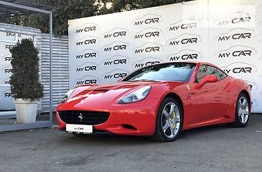 Ferrari California 2013 в Киеве