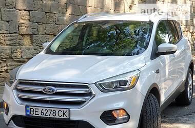Позашляховик / Кросовер Ford Escape 2016 в Миколаєві