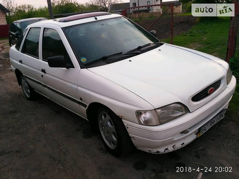 Ford Escort 1992 в Золочеве