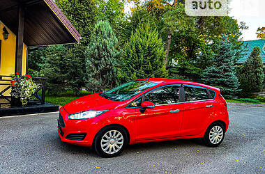 Хэтчбек Ford Fiesta 2017 в Киеве