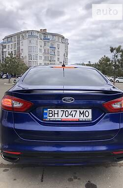 Седан Ford Fusion 2012 в Одесі