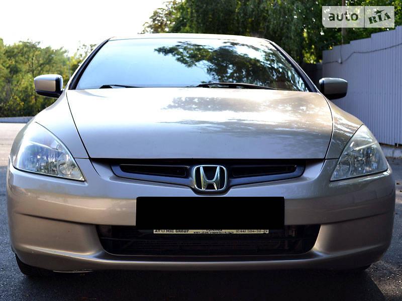 Honda Accord 2005 року