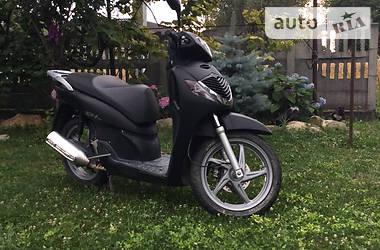 Скутер / Мотороллер Honda SH 125 2006 в Черновцах