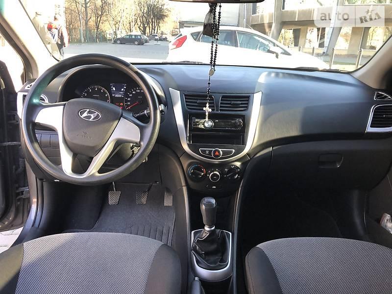 Седан Hyundai Accent 2011 в Львові