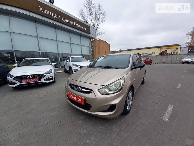 Hyundai Accent OFFICIAL AUTO 2011
