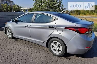 Hyundai Elantra 2015 в Кривом Роге