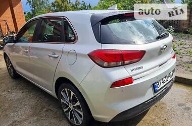 Хэтчбек Hyundai Elantra 2017 в Киеве