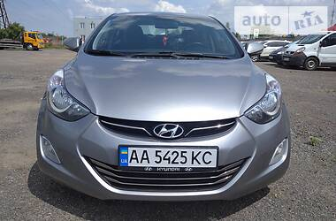 Седан Hyundai Elantra 2011 в Пирятине