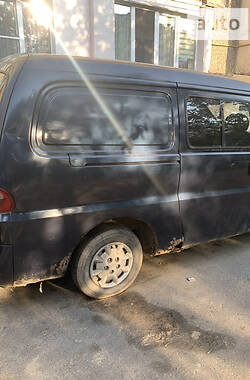 Легковой фургон (до 1,5 т) Hyundai H 200 груз.-пасс. 1999 в Хмельницком