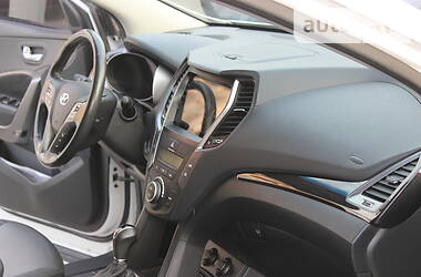 Позашляховик / Кросовер Hyundai Santa FE 2014 в Дніпрі