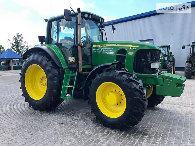 Трактор сільськогосподарський John Deere 7430 2007 в Горохові