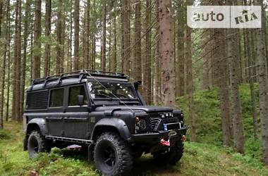 Внедорожник / Кроссовер Land Rover Defender 1993 в Черновцах